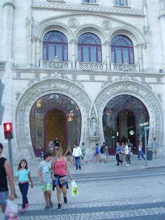 Estação de comboios dos Restauradores, Lisboa, Portugal.
