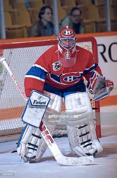 Montreal Canadiens, Goalie Mask, Hockey Goalie, Cool Masks, Nhl, Sport, Sports, Hockey Players, Goalkeeper