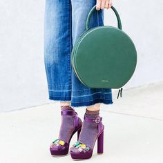 Circle bag and sandals with socks! #fallvibes http://liketk.it/2peis @liketoknow.it #liketkit