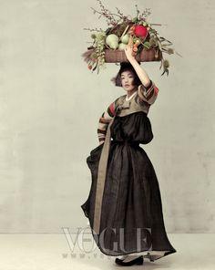 Fête de la Moisson Automne atmosphère mulssin Saekdong veste et une jupe en lin noir à la dérive tout hanbok Lee Young-hee.