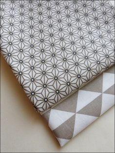 tissu ameublement enfant en 140cmx50cm motif triangles. Black Bedroom Furniture Sets. Home Design Ideas
