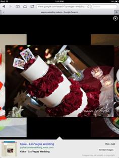 Classy Vegas themed wedding cake