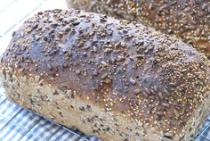 Grovbrød med kjerner og frø Norwegian Food, Norwegian Recipes, Our Daily Bread, Cheesecakes, Bread Recipes, Banana Bread, Healthy Recipes, Healthy Food, Sandwiches