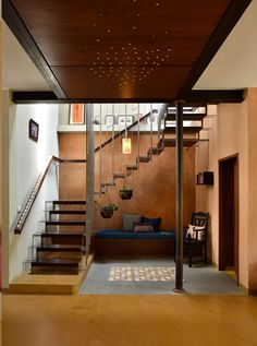 Image 3 of 16 from gallery of Casuarina Fence House / Meeta Jain Architects. Photograph by Manoj Sudhakaran Indian Home Design, Indian Home Interior, Kerala House Design, Indian Interiors, Home Room Design, Dream Home Design, Home Interior Design, Interior Designing, Village House Design