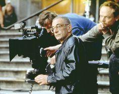 Krzysztof Kieślowski [ˈkʂɨʂtof kʲeɕˈlofski] (ascolta[?·info]) (Varsavia, 27 giugno 1941 – Varsavia, 13 marzo 1996) è stato un regista, sceneggiatore e documentarista polacco.