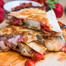 Strawberry Balsamic Grilled Chicken and Bacon Quesadillas #strangebutgood