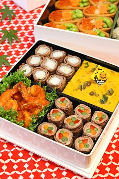 幼稚園の運動会弁当2012☆ - ぱおのおうちで世界ごはん☆ Japanese Bento Lunch Box, Bento Box Lunch, Japanese Food, Bento And Co, Asian Dinner Recipes, Picnic Foods, Breakfast Lunch Dinner, Sandwiches, Food Humor