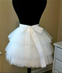 tulle skirt tutorial - could be used to make a crinoline, too