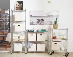 Las estanterías metálicas son la opción más prácticapara lograr un sistema de almacenaje ligero y fácil de instalar- Leroy Merlin
