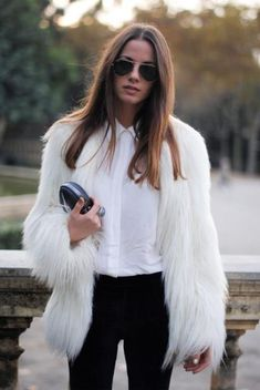 She's definitely making this white fur coat outfit look completely wearable with a classic button up collared shirt and black fitted pants. Fur Fashion, Look Fashion, Womens Fashion, Cheap Fashion, White Fashion, Affordable Fashion, Daily Fashion, Street Fashion, Fashion Dresses