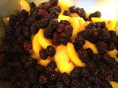 Deep Dish Blackberry Peach Pie Recipe Peach Pie Recipes, Summer Pie, Deep Dish, Fudge, Blackberry, Yummy Treats, Favorite Recipes, Sweets, Rook