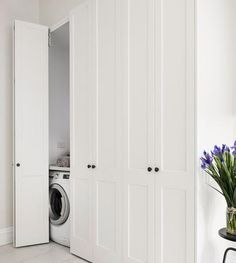 European laundry - get rid of your laundry room to gain extra living space or even a bedroom. Hidden Laundry Rooms, Laundry In Kitchen, Small Laundry Closet, Laundry Cupboard, Laundry Cabinets, Laundry Room Doors, Laundry In Bathroom, European Laundry, Folding Closet Doors