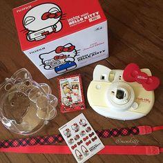 the new version of the Hello Kitty Instax Mini multi-version HK Hello Kitty Instax, Instax Film, Mini Polaroid, Hello Kitty Collection, Barbie Stuff, Fujifilm Instax, Film Camera, Taking Pictures, Film Photography