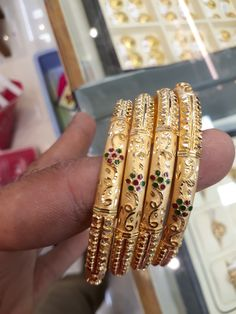 Gold Ring Designs, Gold Bangles Design, Gold Jewellery Design, Gold Wedding Jewelry, Gold Jewelry Simple, Jewelry Design Earrings, Gold Earrings Designs, Choker Necklace Online, Solid Gold Bangle