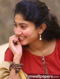 Sai Pallavi Beautiful HD Photoshoot Stills South Indian Actress Hot, South Actress, Beautiful Saree, Beautiful One, Sai Pallavi Hd Images, Indian Women Painting, Romantic Films, Nice Lips, Actress Wallpaper