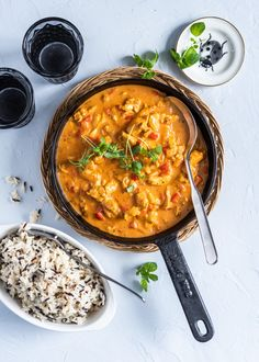 Helppo kanakastike arkeen - Perinneruokaa prkl Easy Cooking, Cooking Recipes, Healthy Recipes, Food N, Food And Drink, Quorn, Food Cravings, Lunches And Dinners, My Favorite Food