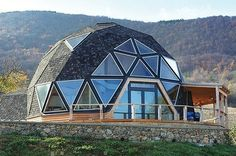 Quonset Hut Homes Design, Great Idea for a Tiny House Sustainable Architecture, Residential Architecture, Contemporary Architecture, Casa Octagonal, Quonset Hut Homes, Dome Structure, Geodesic Dome Homes, Dome House, Earth Homes