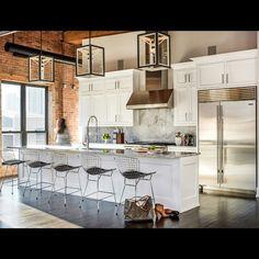 #UECo #spotted @AlexKaehler_ @CSchicagosocial #cosypendant #UECo_MichaelAmato #triplets #kitchenlighting #kitchendesign #chicago #urbanelectricco #madeinamerica #madeinusa  Photo credit: Cynthia Linn Kim