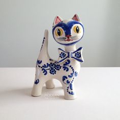 Cute Italian Hand Painted Kitty Cat Ceramic Sculpture by alamodern SCULPTURE INSPIRATION (TEAPOT)