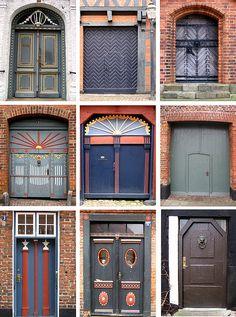 #Collage de #puertas en #Ribe, la ciudad más antigua de #Dinamarca