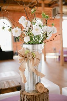 rustic wedding arrangement,photo by theindieimage.com/