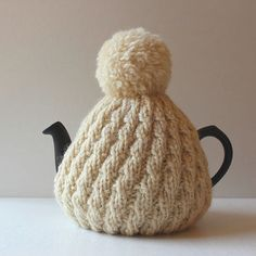 lykke Hand-knitted tea cosy
