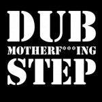 El dubstep es un género musical relativamente nuevo que se está convirtiendo en uno de los más populares en la actualidad y el número de seguidores que lo apoya aumenta tan velozmente que parece que se multiplican de manera exponencial.   Esta nueva y pesada forma de música electrónica, que podría ser considerada como …