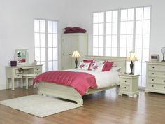 The Colmar bed is defined by exceptional workmanship. Finished with raised paneling, this beautifully painted bed will make an ideal choice for both adult and childrens bedrooms. Cream Bedroom Furniture, Shabby Chic Furniture, Home Furniture, Bedroom Bed, Painted Furniture, Bedroom Ideas, Master Bedroom, Bedrooms, Unusual Furniture