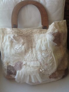 Handmade bag with lace