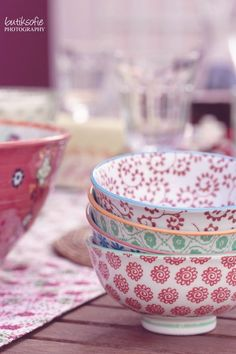 Sweet cereal bowls with a floral pattern!