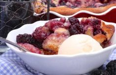 easy blackberry cobbler recipe Canned peaches simmered in sugaring mixture and place in a buttery, homemade flaky lattice pie crust. Best peach cobbler and easy to make. Southern Blackberry Cobbler, Best Peach Cobbler, Homemade Peach Cobbler, Pound Cake Recipes, Banana Bread Recipes, Old Fashioned Peach Cobbler, Funnel Cake Bites, Lattice Pie Crust, Peach Pound Cakes