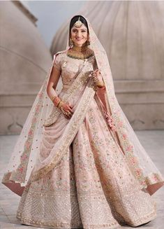 It's time to ditch the age-old traditional red lehenga and go for lehenga colours that express your individuality! Indian Bridal Outfits, Indian Bridal Lehenga, Bridal Dresses, Dress Indian Style, Indian Dresses, Marriage Lehenga, Bridal Chura, Bridal Lehenga Collection, Indian Bridesmaids