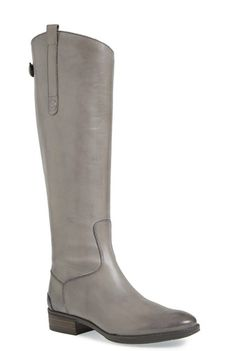 Grey riding boots? Yes, please!