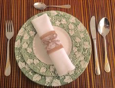 Items similar to Burlap Napkin Rings, Rustic Napkin Rings, Burlap & Lace Napkin Rings, Rose Napkin Rings, set of on Etsy Rustic Napkin Rings, Rustic Napkins, Serviettes Roses, Burlap Lace, Wedding Napkins, Jute Twine, Vintage Rings, Special Occasion, Unique Jewelry