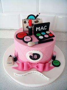 Makyaj Malzemeleri Temalı Butik Doğumgünü Pastası Makeup Mac Fondant Birthday Cake