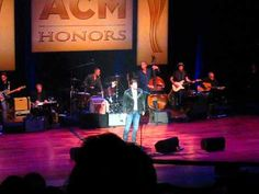 <3 Chris Young Gives Tribute to George Jones
