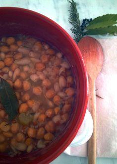 La mesciua spezzina - Soup of chickpeas, beans and wheat