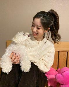 "misa •ᴗ• on Twitter: ""Dahyun's IG update (2) 🐶 #TWICE #트와이스 @JYPETWICE… "" Nayeon, K Pop, Rapper, Kpop Girl Groups, Korean Girl Groups, S Girls, Kpop Girls, Tzuyu And Sana, Sana Momo"