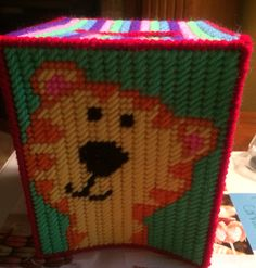 Zoo tissue box 2 Plastic Canvas Tissue Boxes, Plastic Canvas Crafts, Patchwork Heart, Kleenex Box, Box Covers, Covered Boxes, Animals, Animales, Animaux