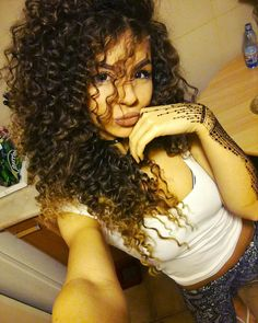 ❤️ #curly #hair #hennatattoo #henna #hairstyle #ombre #lips #beauty #style #fashion #girl #Ciulia #curlyhair #me