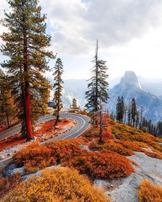 Sustainable Travel Accommodation Yosemite National Park Only on Travelarize Vacation Ideas Source by Arches Nationalpark, Yellowstone Nationalpark, Best Vacation Spots, Best Vacations, Landscape Photography, Nature Photography, Travel Photography, Scenic Photography, Aerial Photography