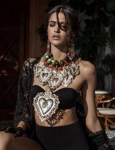 90-Turhan Nacar-RENKLİ DÜNYALAR... _________________________________________________________ Photographer 📷 : ..?  New Fashion, Boho Fashion, Fashion Outfits, Womens Fashion, Ladies Fashion, Hippy Chic, Boho Chic, Bohemian, Mode Hippie