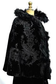 Antique Victorian Black Velvet Mourning Cape with Jet beadwork, Lace appplique  Fur Trim