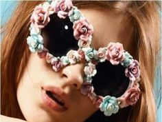 8 Decorative Sunglasses for You to Wear ...