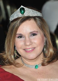 The Chaumet Emerald Tiara (Photo: Pascal Le Segretain/Getty Images) Grand Duchess Maria Teresa of Luxembourg wears the family's Chaum. Royal Crowns, Royal Tiaras, Tiaras And Crowns, Tiara Hairstyles, Chaumet, Royal Jewelry, Jewellery, Circlet, Emerald Earrings