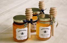 DIY Honey Jar Wedding Favors {Wedding Wednesday}