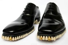 Apex Predator Shoes Made Of Teeth, totally bizarre.Iwould kick my enimies with it Ugly Shoes, Men's Shoes, Dress Shoes, Shiny Shoes, Dress Clothes, Shoes Style, Men's Style, Human Teeth, Gold Fronts