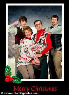 Awkward Christmas family photos 4