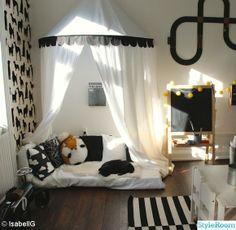 branco e preto ... interessante opção para quartos infantis