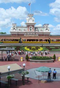 Disney World está a 40 millas cuadradas de longitud, que es del mismo tamaño ha de San Francisco.